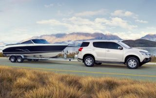 4WD Towing Boat